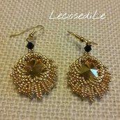 Orecchini in tessitura di perline con elementi Swarovski - total gold