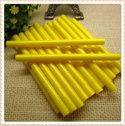 Stick colla a caldo giallo