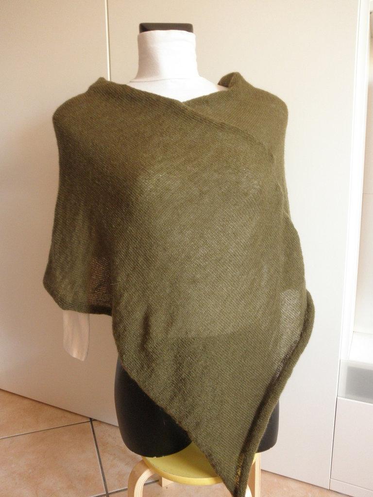Poncho verde marcio,da donna, poncho leggero di mohair,maglieria donna