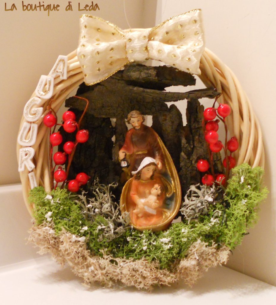 Ghirlanda fuori porta natalizia sacra famiglia feste natale d su misshobby - Ghirlanda porta natale ...