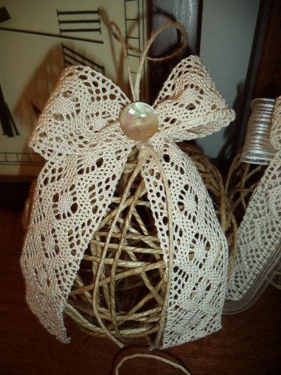 Decorazioni natalizie di spago bottoni e merletti
