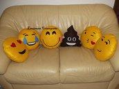 Cuscini a forma di Emoticon Emoji Whatsapp modelli a scelta Idea Regalo San Valentino