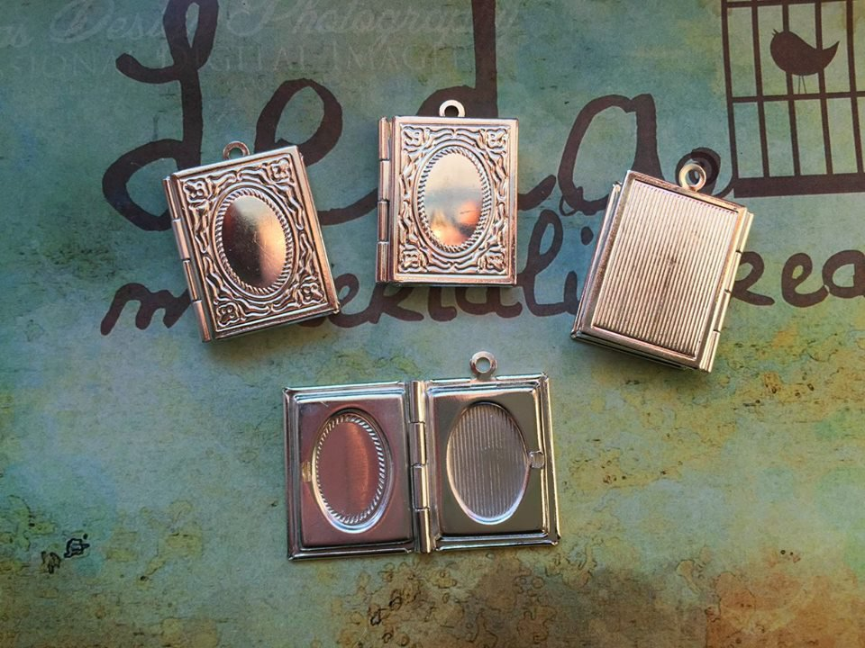 Ciondolo libro portafoto argento