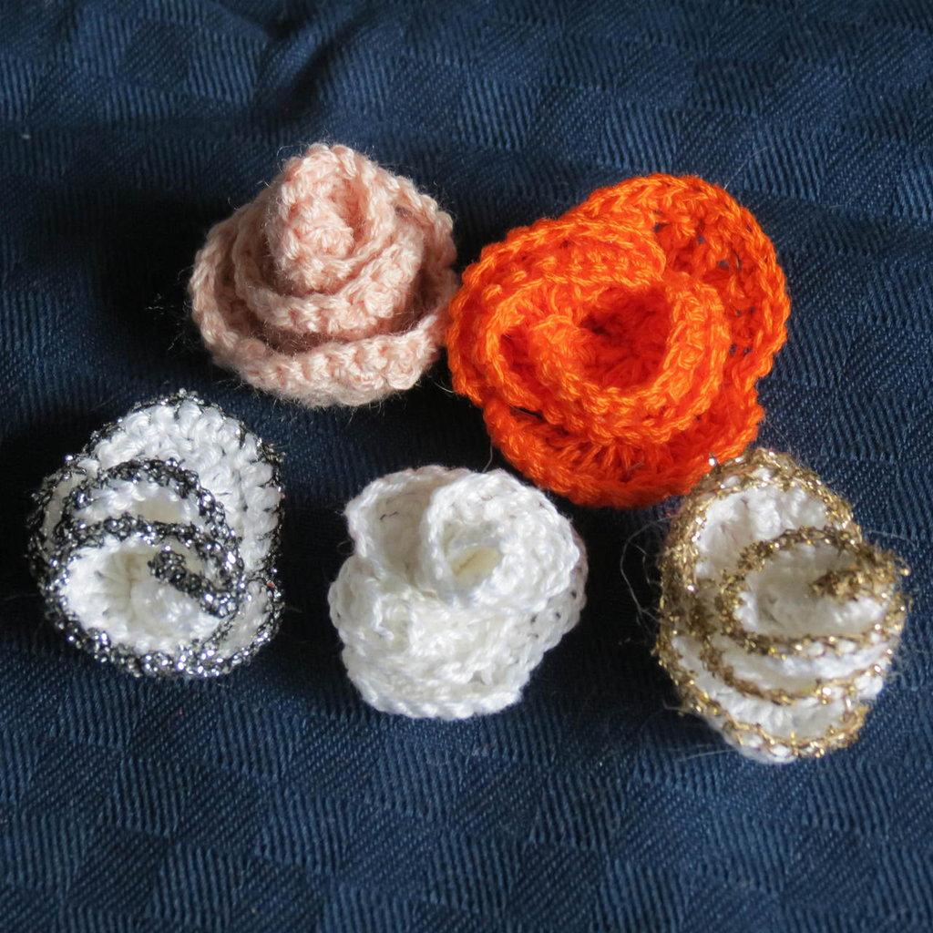 piccoli fiori per bomboniere