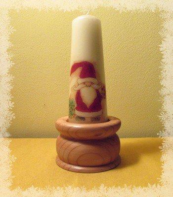 Candela natalizia con base in legno