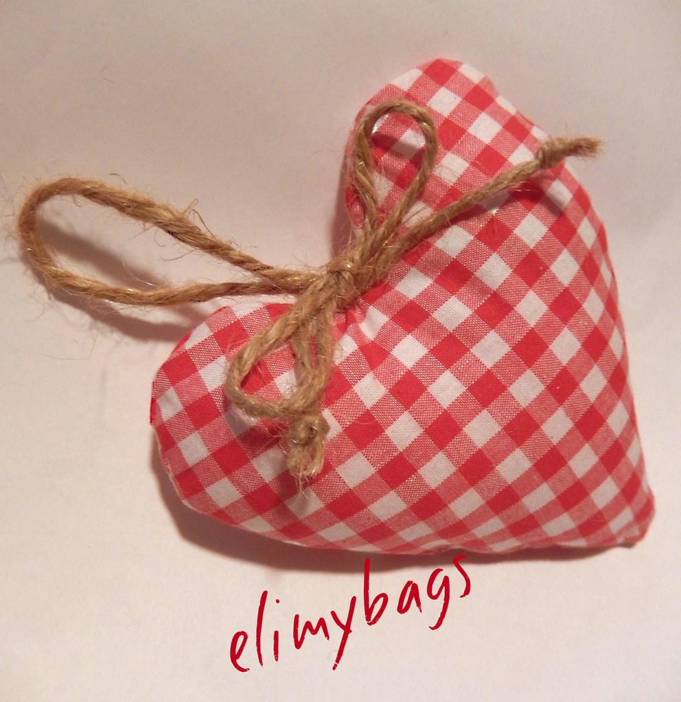 Cuore a quadretti bianco e rosso country fatto a mano♥
