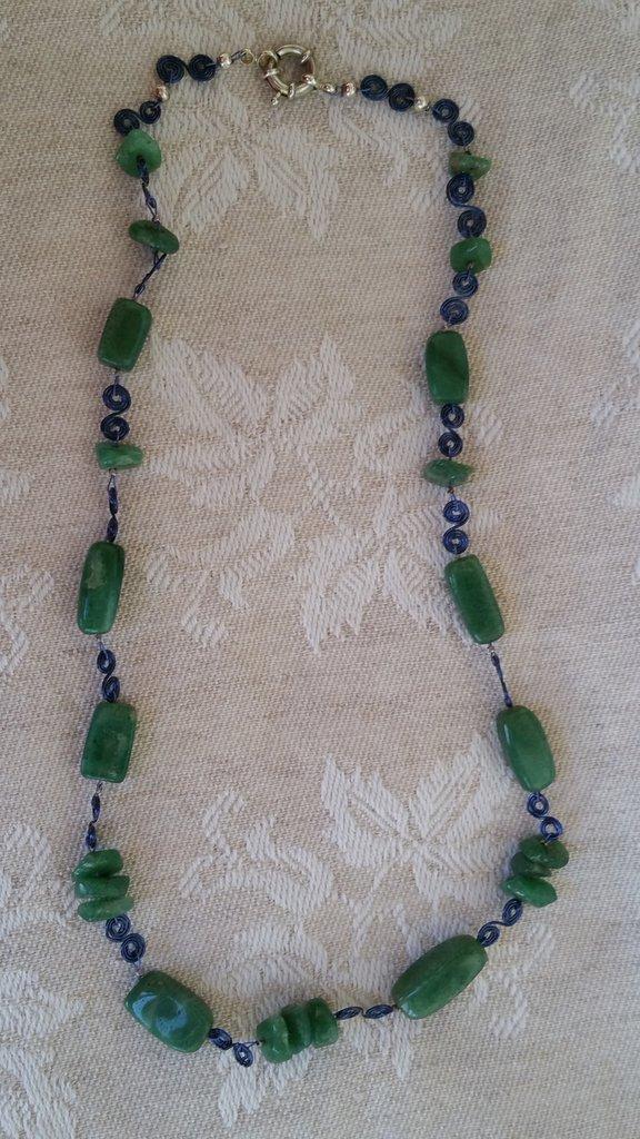 Collana  con pietre verdi avventurina