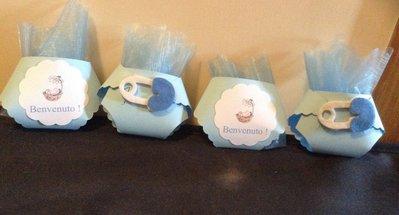 Porta confetti a forma di pannolino  completo di confetti e tulle personalizzabile