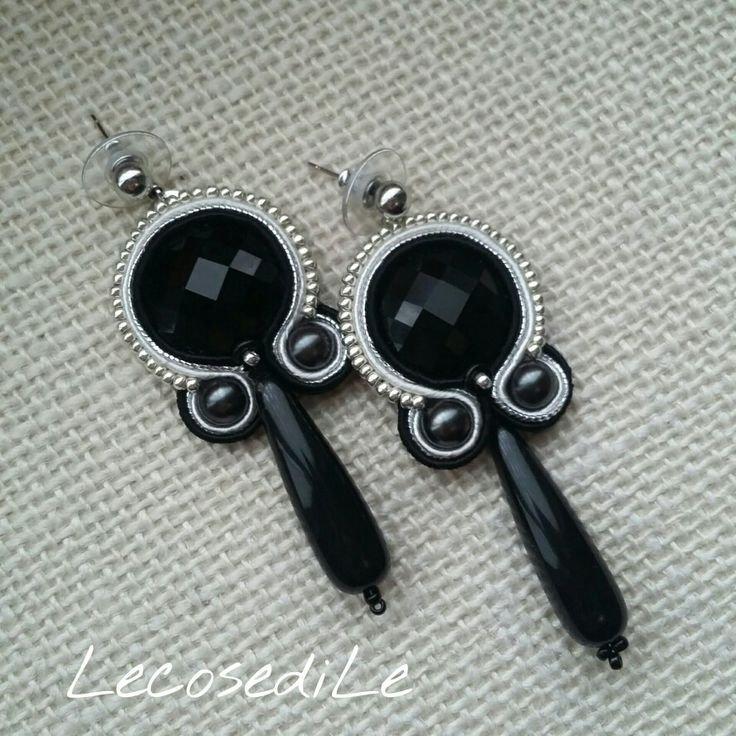 Orecchini pendenti nero e argento lavorati in soutache