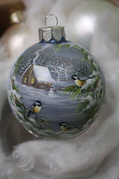 Sfera di Natale dipinta a mano - Neve e uccellino