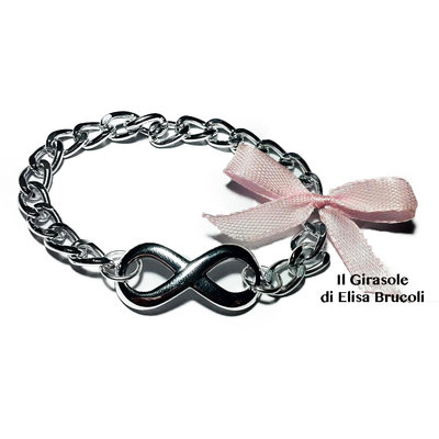 Bracciale in catena metallica con simbolo dell'infinito e fiocchetto rosa antico