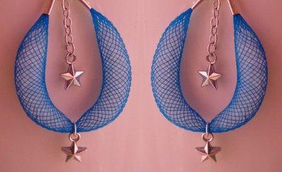Orecchini azzurri con stelline