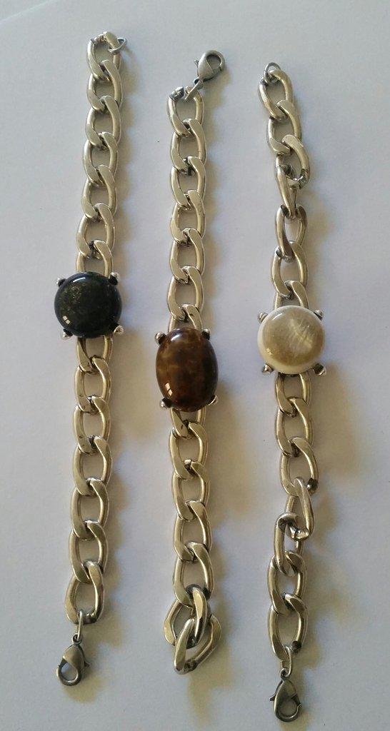 Tris di bracciali con pietra colorata