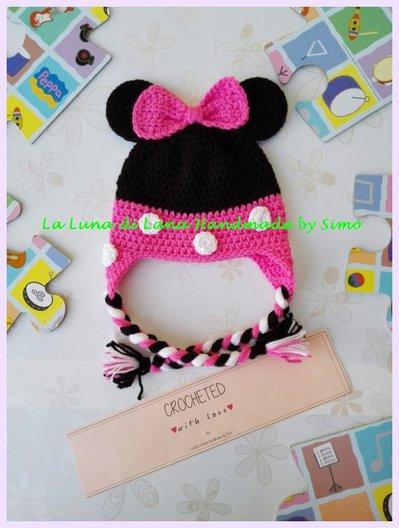 Cappellino a uncinetto per bambina ispirato a Minnie