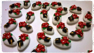 Confetti decorati laurea, tocco con fiori