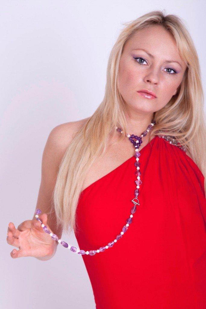 Collana con ametista e perle fatta a mano - necklace with amethyst and pearls handmade.