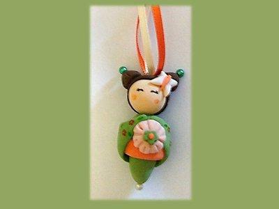 Portachiavi Kokeshi doll orange-green