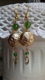 Orecchini di perline verdi e oro