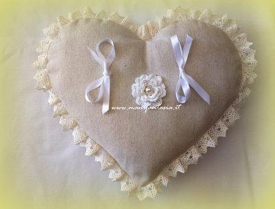 cuscino portafedi cuore avorio shabby chic