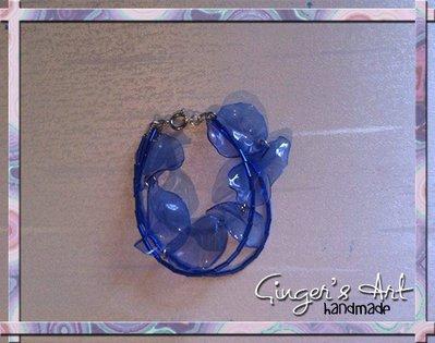 Bracciale con plastica riciclata e perline