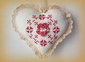 cuore di stoffa imbottito ricamo uncinetto