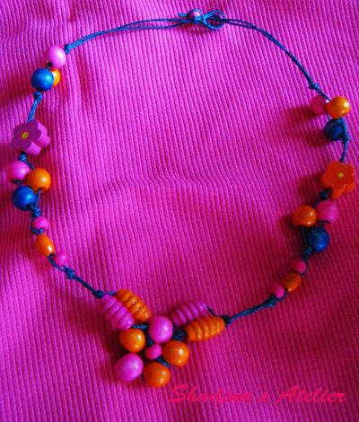 Collana tricolor
