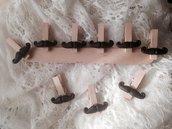 Mollette chiudipacco in legno con baffi realizzati a mano in pasta FIMO