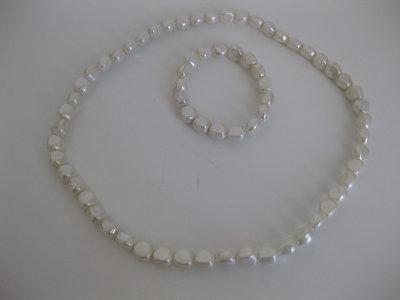 Collana e bracciale di perle