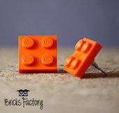 Orecchini LEGO originali a lobo arancioni piatti