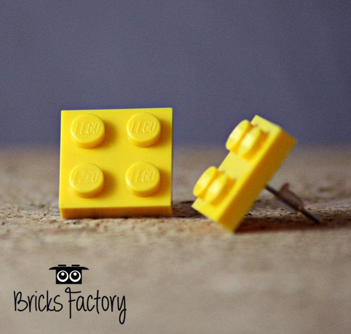 Orecchini LEGO originali a lobo gialli piatti