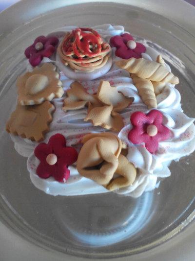Coppia barattoli con cuori e decorazioni in fimo per la - Decorazioni cuori ...