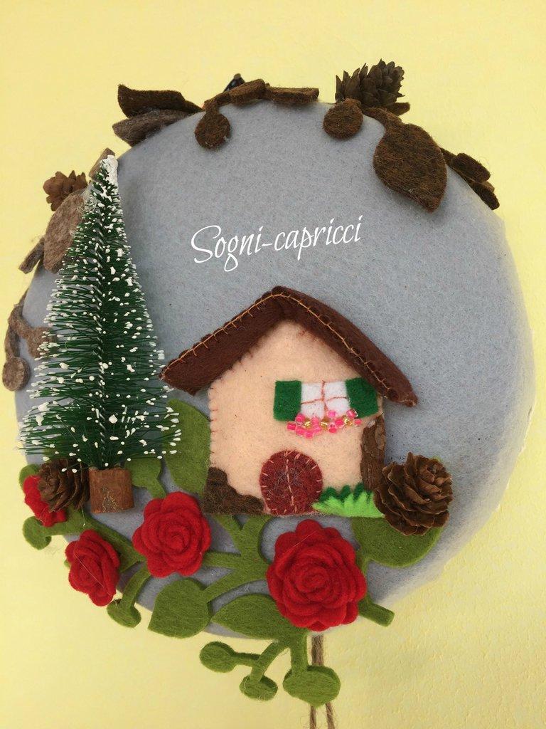 Dietro porta - ghirlanda - idea regalo con abete, chalet, legnaia