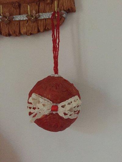 Pallina di Natale rossa/dorata, con merletto e mezze perle