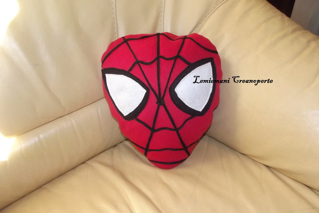 Cuscino Uomo Ragno Spiderman idea regalo San Valentino