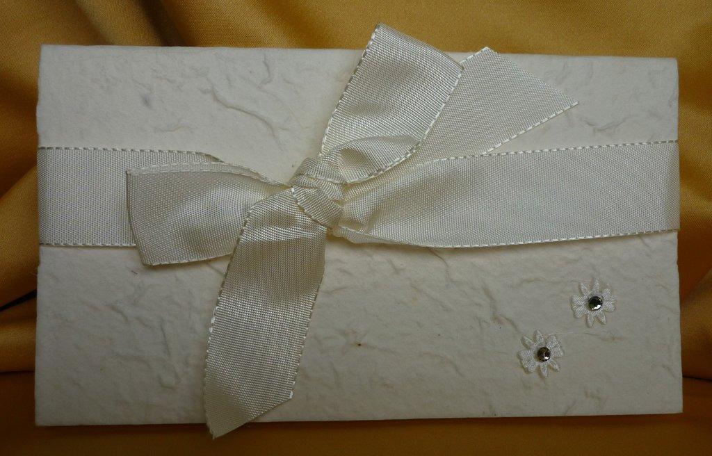 Partecipazione nozze in carta cotone con strass