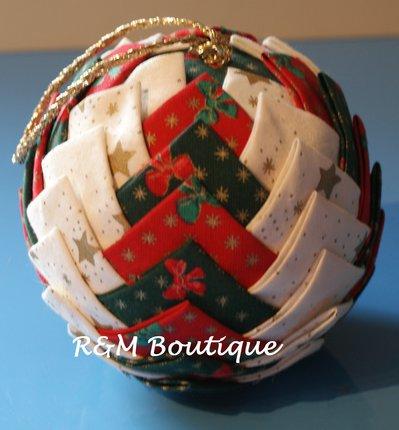 Pallina di natale di tessuto fatta a mano - modello jumbo - rosso bianco e verde