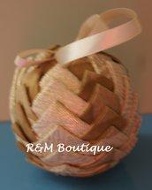 Pallina di natale di tessuto fatta a mano - modello medio - oro