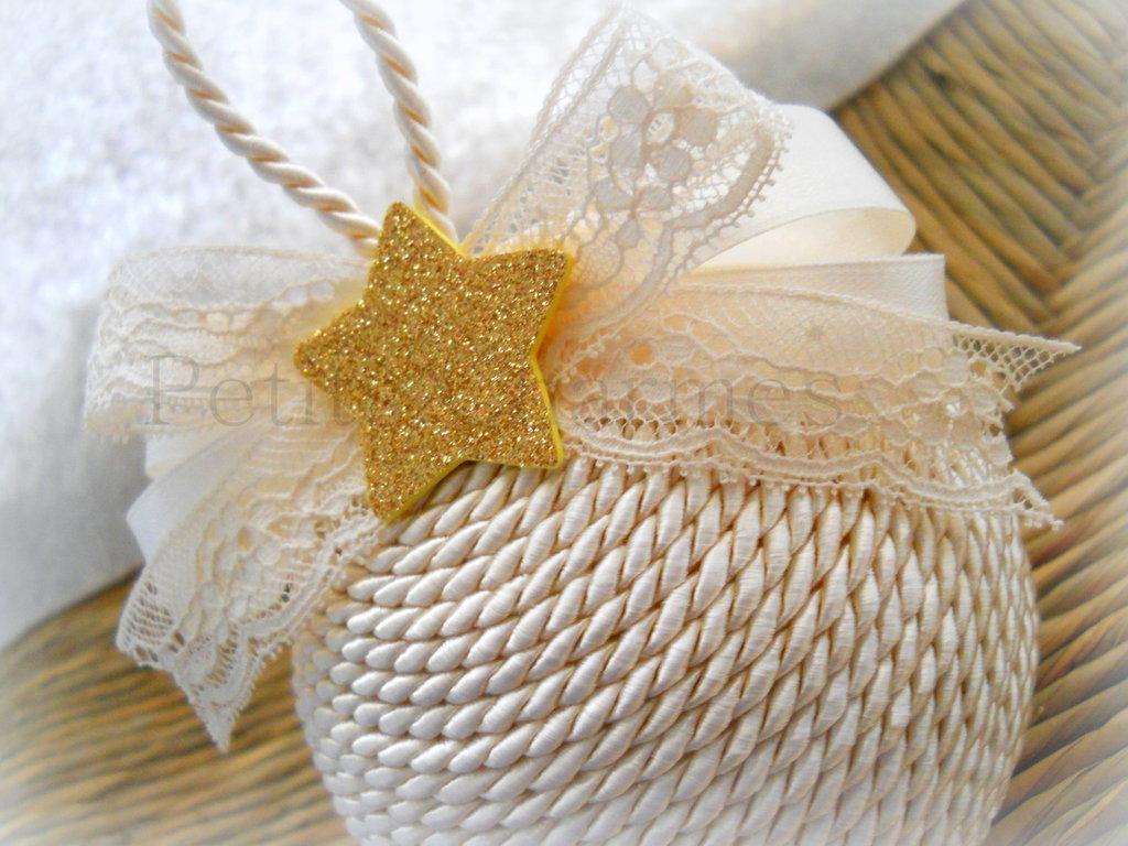Palla Natalizia realizzata a mano con stella glitter color oro