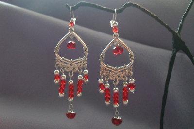 orecchini chandelier perline rosse