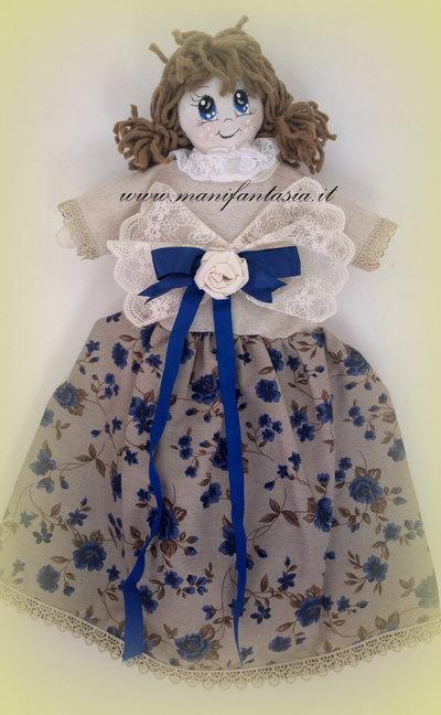 bambola portasacchetti stoffa con occhi dipinti