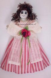 bambola portasacchetti di stoffa