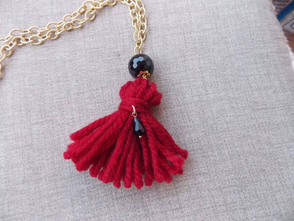 Collana bambolina lana