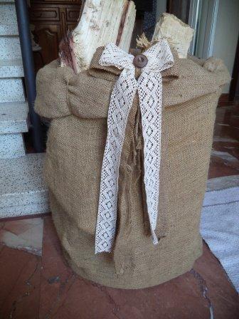 Portalegna romantico cesto shabby con sacco di Juta