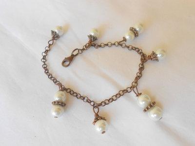 Bracciale in rame e perle.