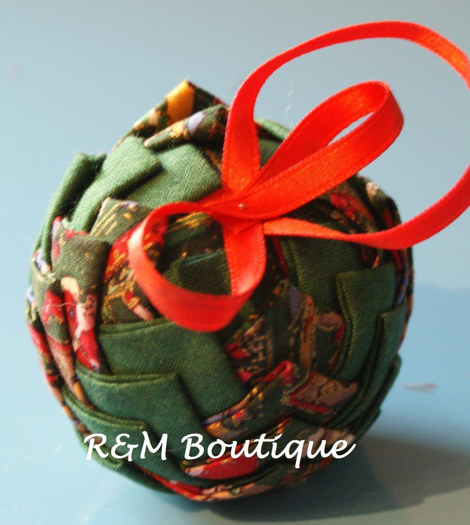 Pallina di natale di tessuto fatta a mano - modello piccolo - verde