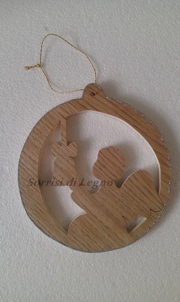 Pendel di Natale in legno, traforato, angioletto che suona la campana