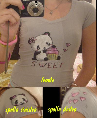 Maglietta grigia scollo a V disegno panda kawaii