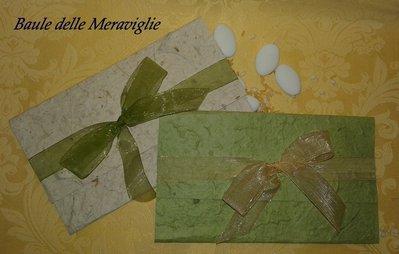 Partecipazione realizzata a mano in carta cotone e nastro di organza