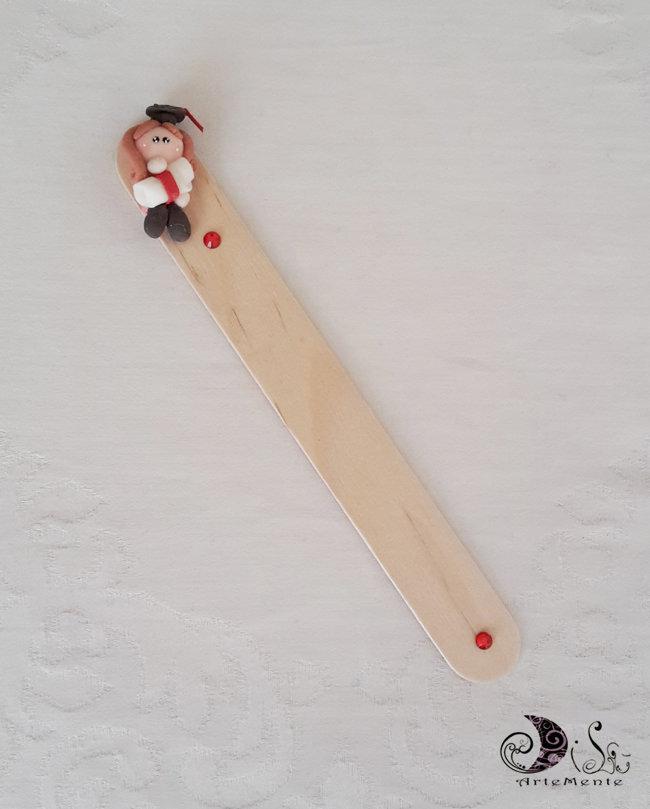 Bomboniera dollina laurea segnalibro in legno personalizzabile