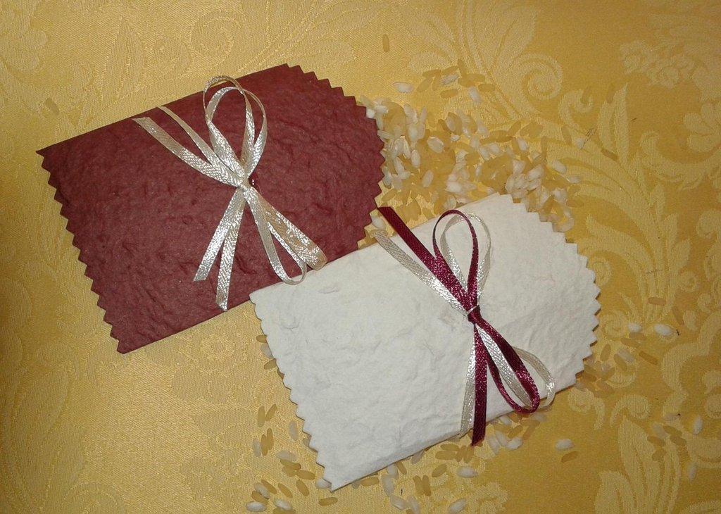 Coni - bustine in carta cotone e fiocco per riso e confettata - marsala